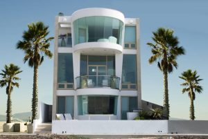 Modern-beach-home-rental